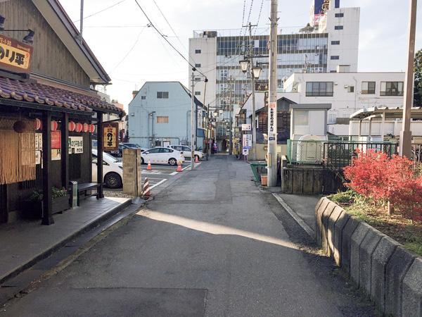 路地裏のしずかな街並み