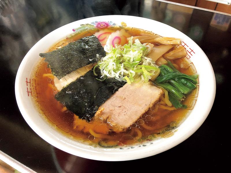 新鶴駅そばにある、たかは飲食店のラーメン
